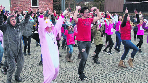 One Billion Rising: Tanzaktion gegen Gewalt in Friedewald