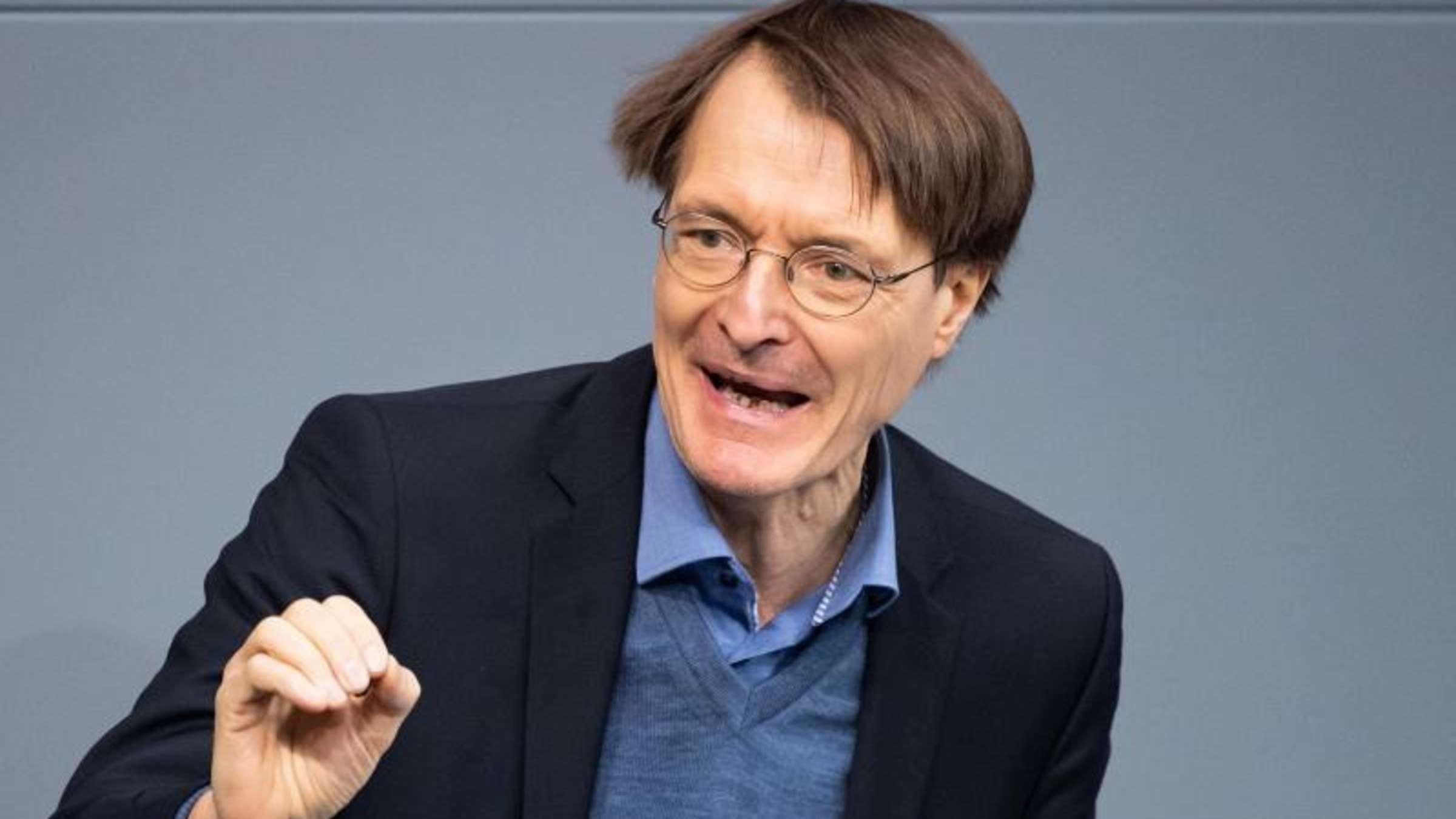 Lauterbach (SPD) fordert Corona-Kontrollen in Wohnungen - jetzt hagelt es Kritik | Politik
