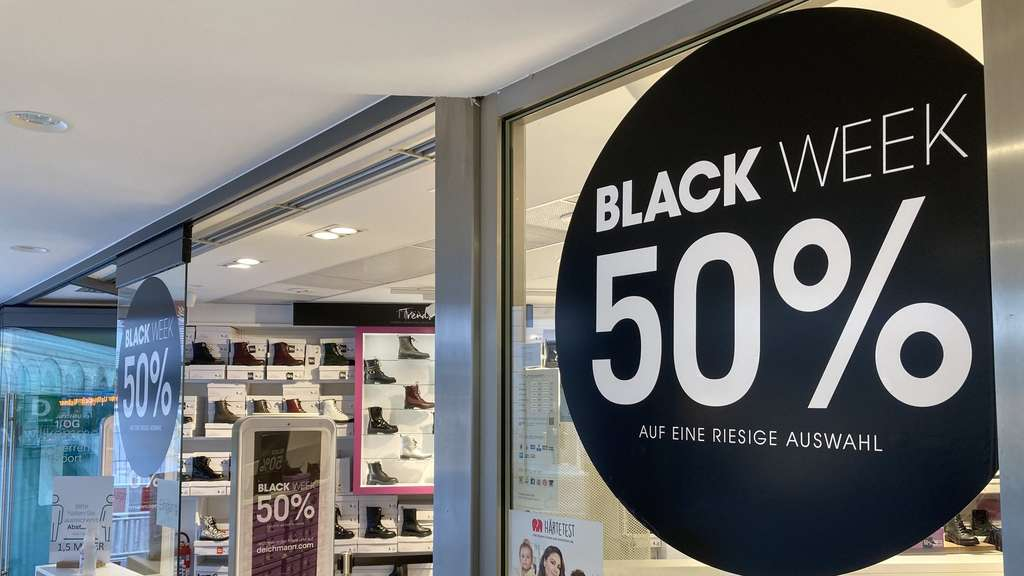 "Marketing-Experte zum Black Friday: ""Rabattsymbole schalten den Verstand aus"""